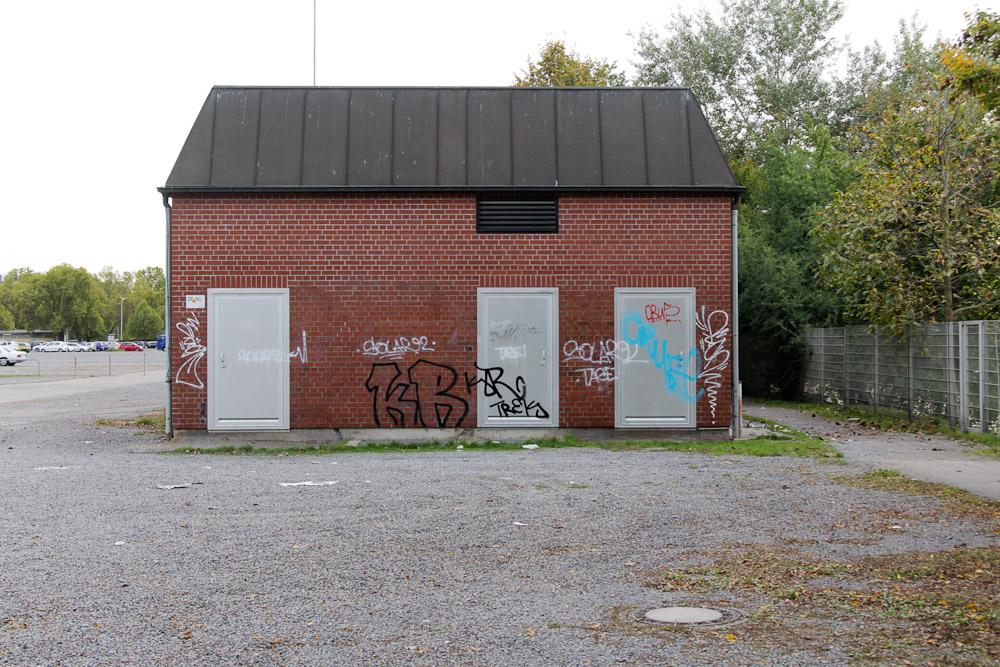 Auf der Theresienwiese in Heilbronn machen Michèle Kiesewetter und ihr Kollege im April 2007 Mittagspause, als sie von ihren Mördern überrascht werden. Die Polizistin stirbt sofort, ihr Kollege überlebt schwer verletzt. (Foto: apabiz)