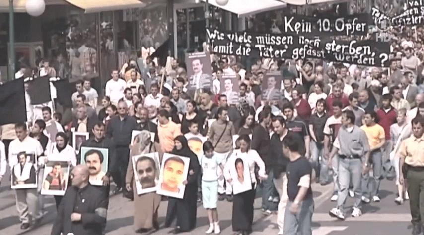 Kassel, 6 Mayıs 2006. ''10. Kurban Olmasın!'' talebiyle 2000'den fazla insan gösteri yapmıştı.