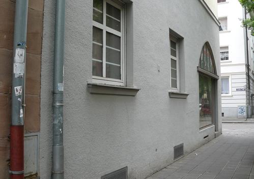 """Alte Aufkleber der """"Fränkischen Aktionsfront"""" am NSU-Tatort Siemensstraße im Jahr 2011 (Foto: Birgit Mair)"""