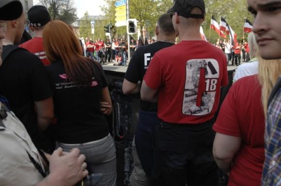 Verherrlichung der rechtsterroristischen Organisation 'Combat 18' (C 18) beim Aufmarsch des 'Freien Netz Süd' 2012 in Hof. Foto: Robert Andreasch