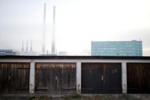 """Jena: Die Bombenbastelgarage im Garagenkomplex """"An der Kläranlage"""" Garage """"H54"""".  © Mark Mühlhaus/attenzione photographers http://attenzione-photo.com/"""