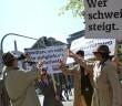 Archivbild: Proteste gegen den VS vor dem OLG von der Kampagne Blackbox VS (c) Kappa Foto http://www.blackbox-vs.de