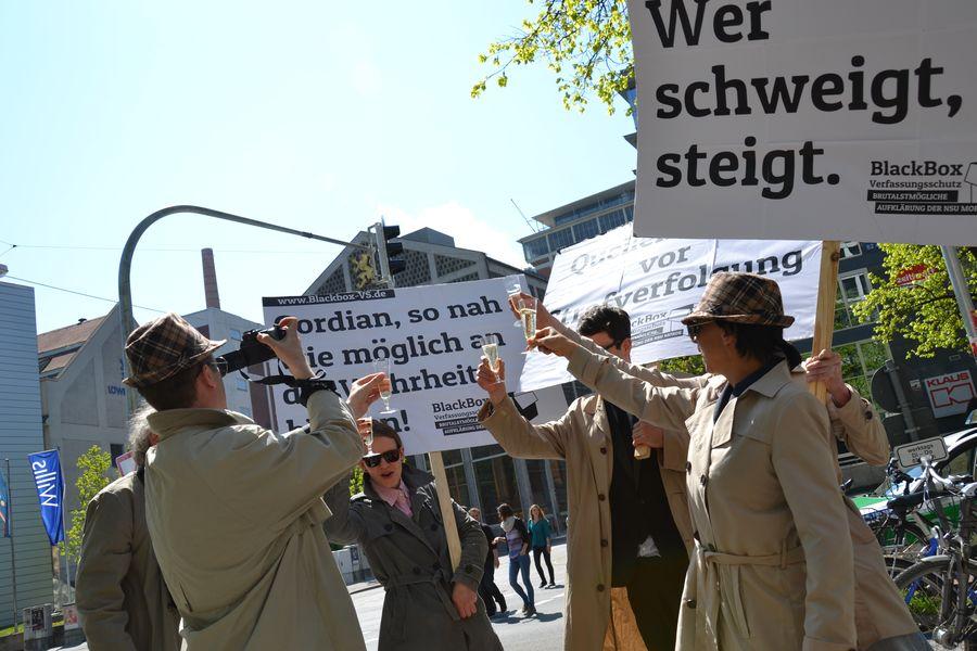 Proteste gegen den VS vor dem OLG von der Kampagne Blackbox VS (c) Kappa Foto http://www.blackbox-vs.de